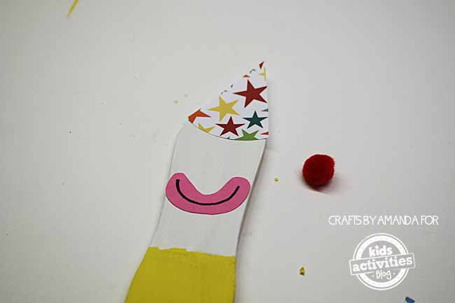 Paint Sticks Clown Puppets by Amanda Formaro for Kids Activities Blog