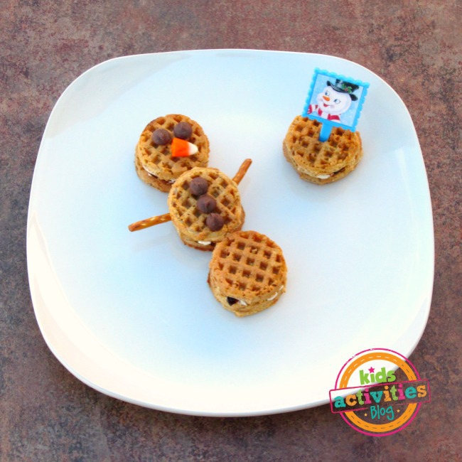 Make Snowman Waffle Sandwiches