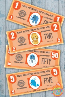 Play Money {Free Kids Printable}