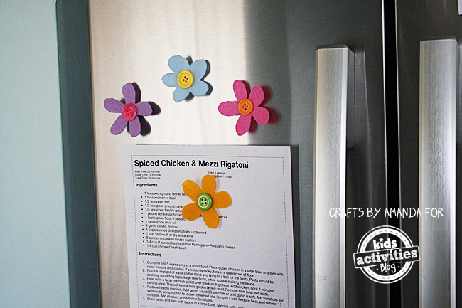 Preschool Craft: Felt Button Flower Magnets