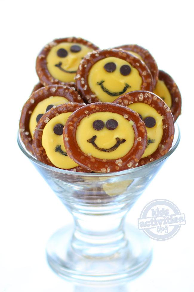 smiley face pretzels