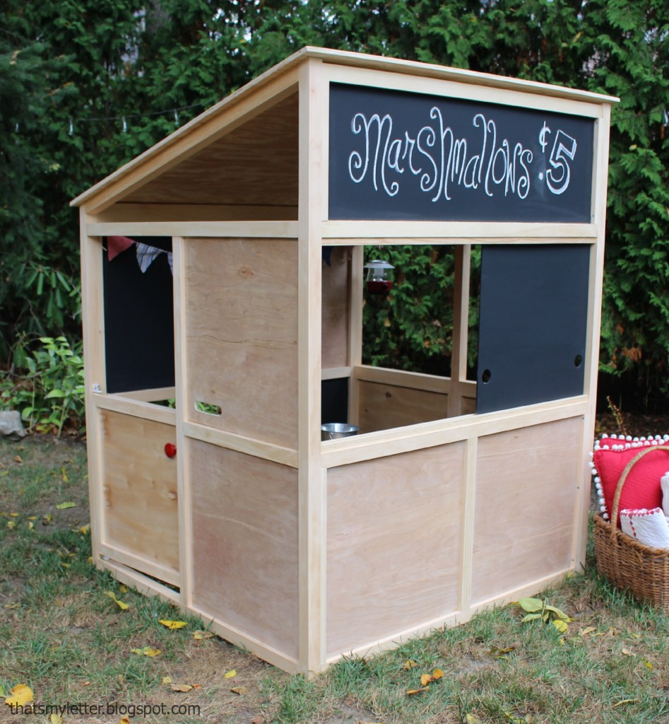 24 outdoor playhouses kids dream about How to build outdoor playhouse