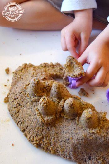 kinetic sand to make