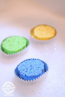 Bath Tub Science Fun – Floating Cupcakes