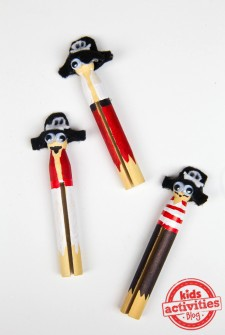 Clothespin Pirate Dolls