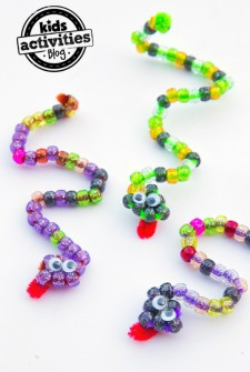 Pipe Cleaner Snake Craft Featured Image