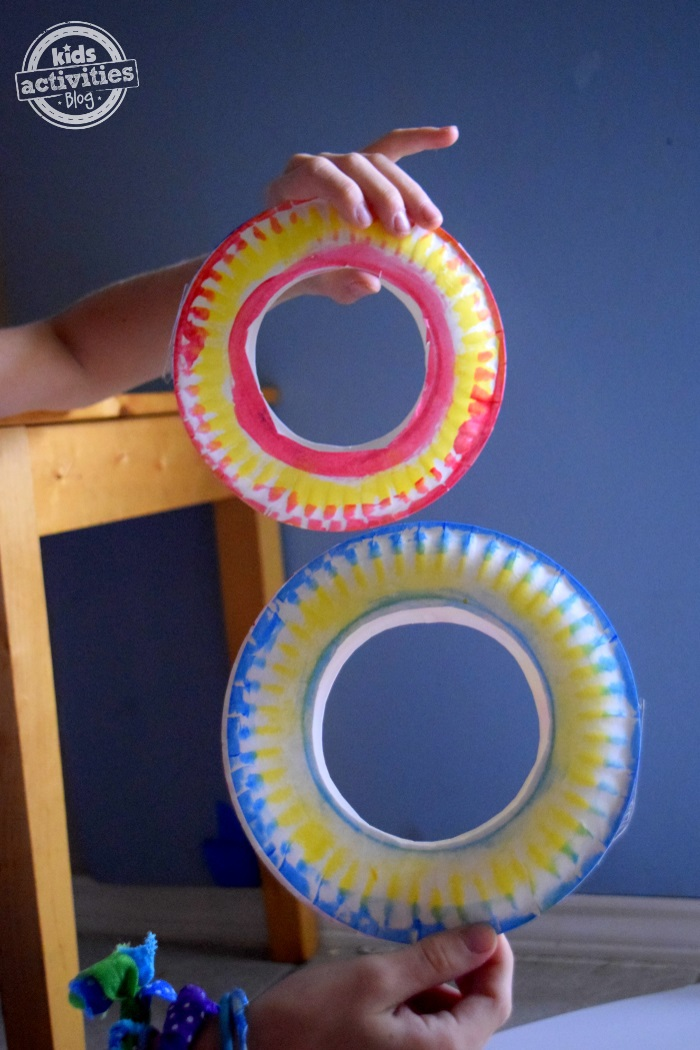 How to make a paper plate frisbee that actually flies
