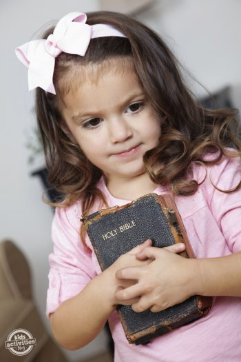 New Ways To Keep Your Toddler Quiet At Church