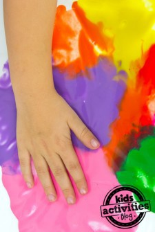 No-Mess Finger Painting