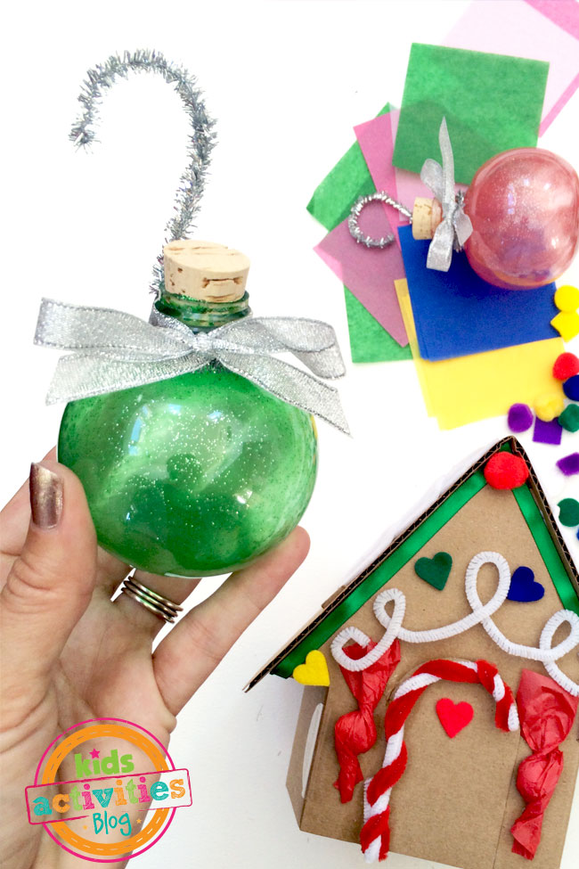 Make glitter ornaments with Kiwi Crate holiday craft kit