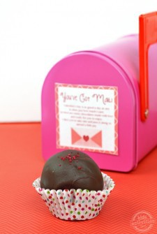 red velvet cake balls featured