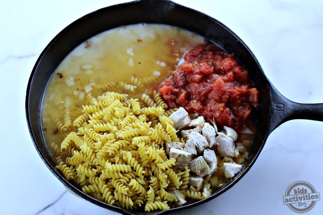 One Pot BBQ Chicken Pasta