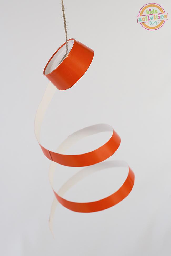 Piratage de fête!  Spinners de fête de tasse de papier!