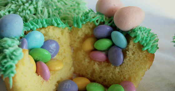 Easter (Surprise!) Cupcakes - Kids Activities Blog