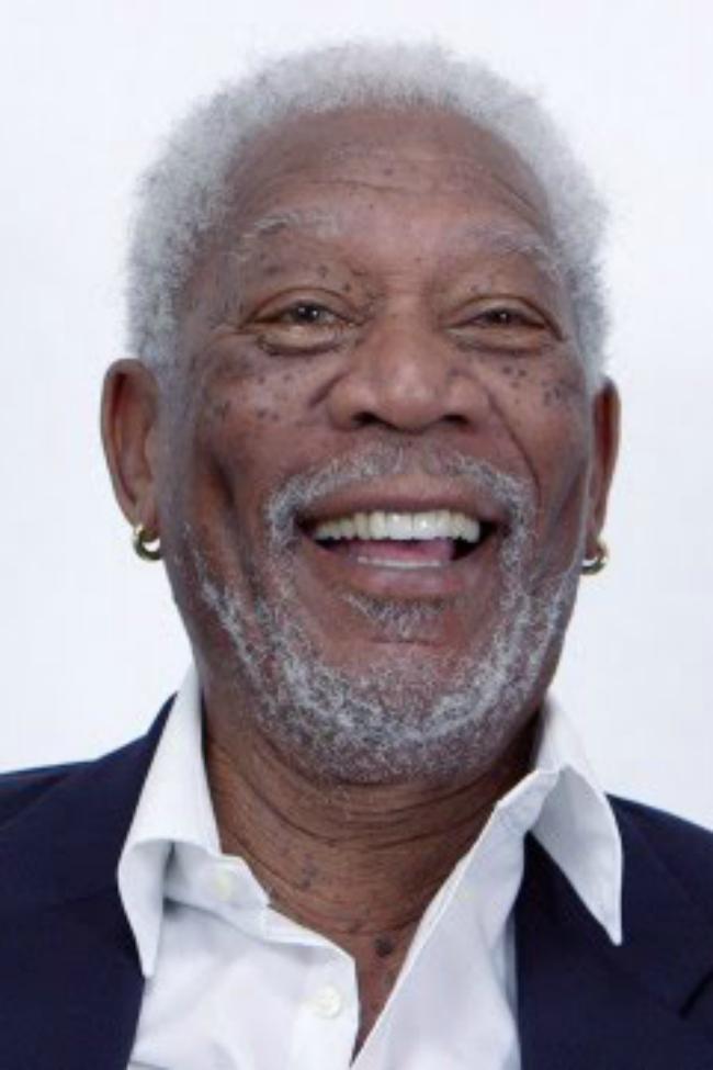 Morgan Freeman reads Justin Beiber