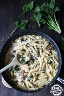 One-Pan Chicken Florentine Pasta