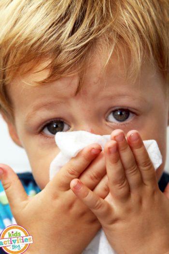 20 non-electronic ideas to entertain a sick child