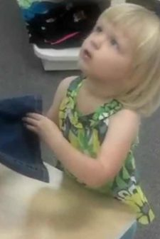 Little Girl Cries Because She Sees Daddy At The Mall, But He Isn't Who She Thinks!