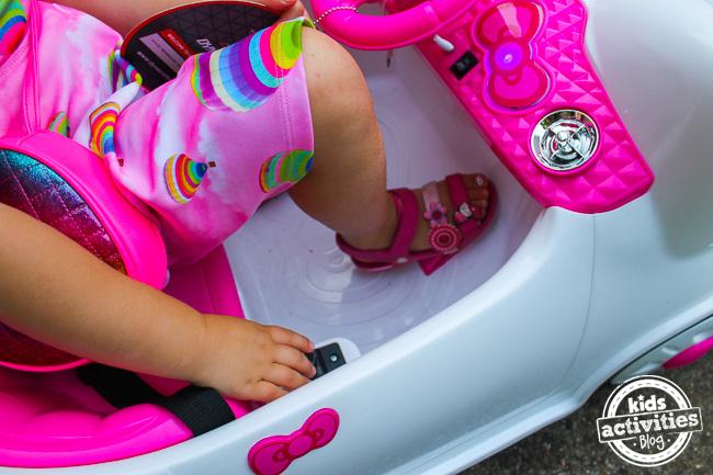 Hello Kitty Car 6
