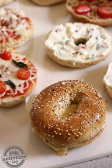 5 Delicious Ways to Top a Bagel!