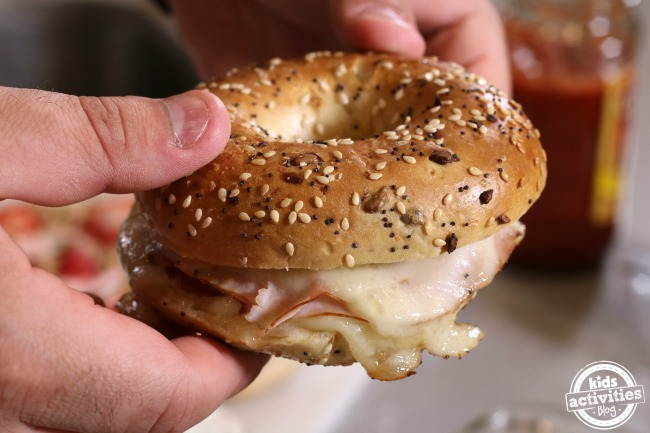5 Delicious Ways to Top a Bagel a
