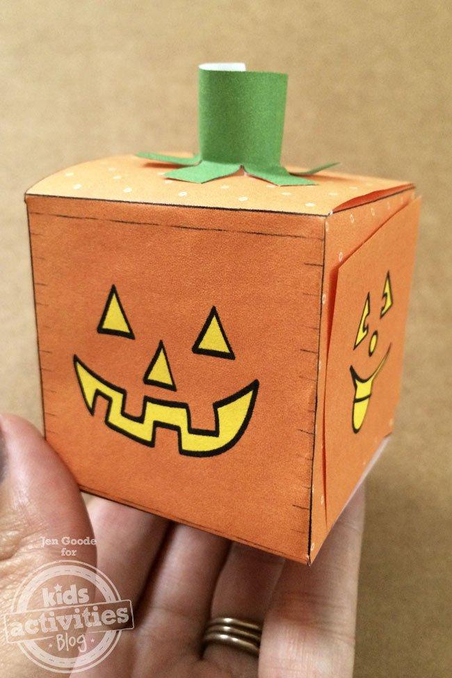Jack-o-lantern-pumpkin-box-cube-printable-Jen-Goode