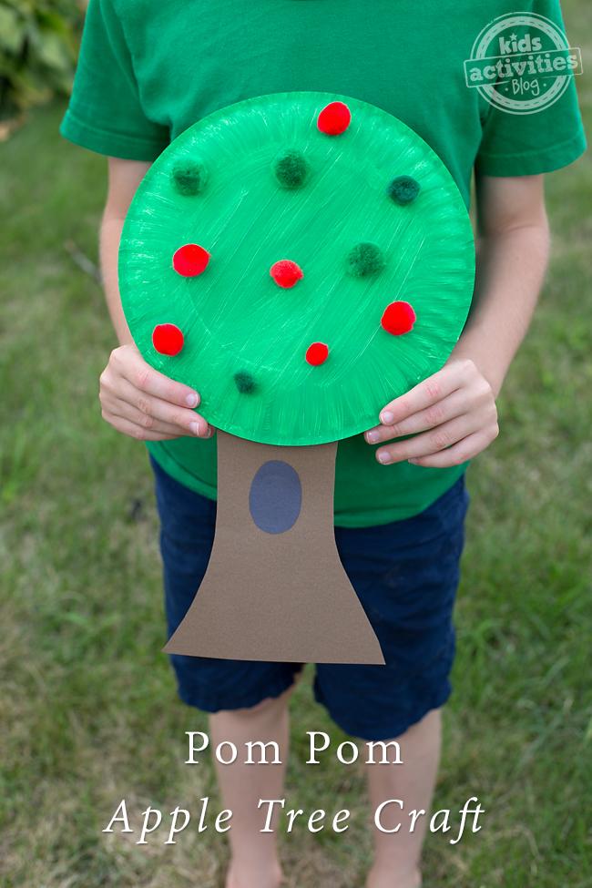 Pom Pom Apple Tree craft for preschoolers