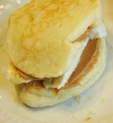 Peanut Butter & Banana Pancake Sandwiches: Yummy & Kid-Friendly