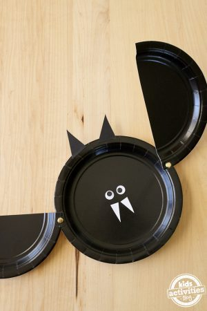 Easy Paper Plate Bat Craft