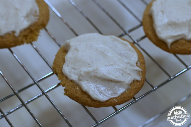 5-deliciously-chewy-cookie-recipes-b
