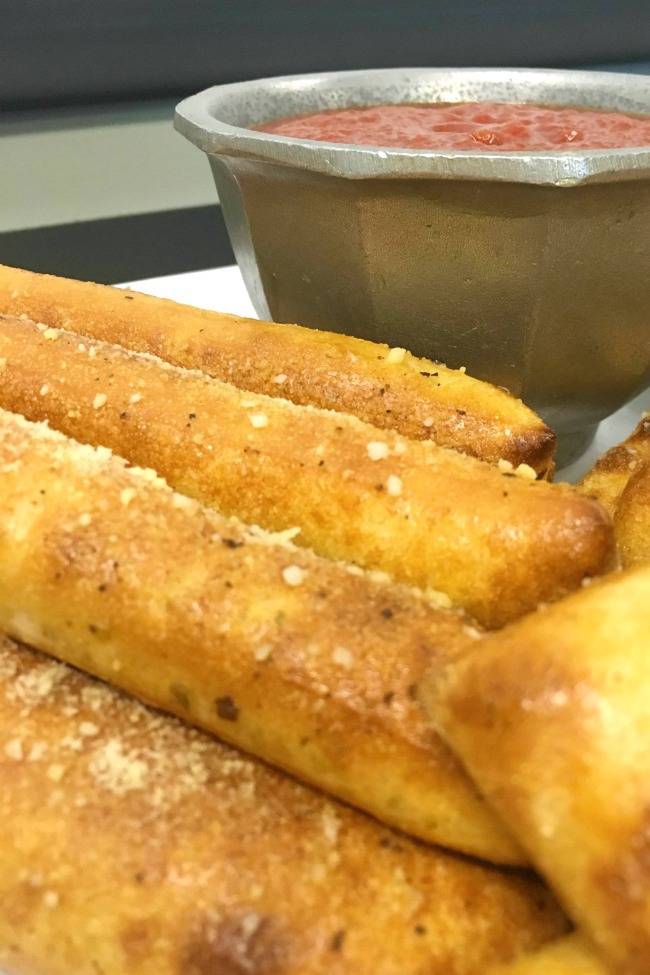 Chuck E Cheese breadsticks