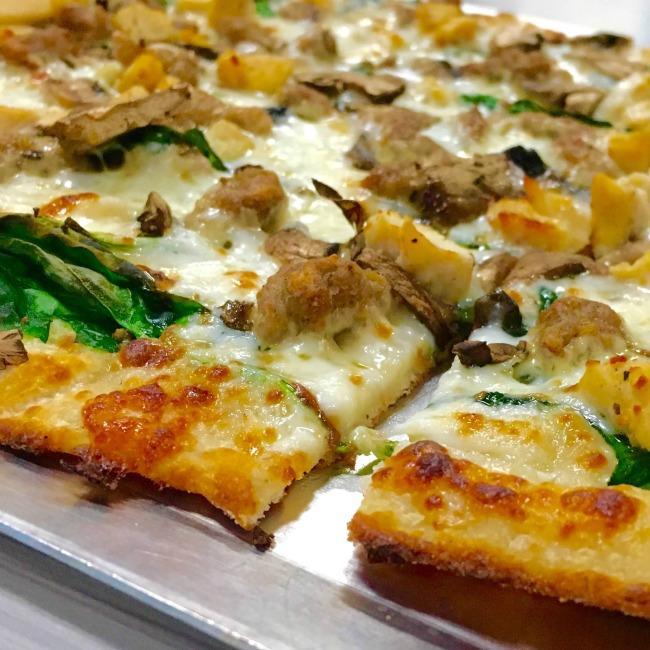 Chuck E Cheese new pizza