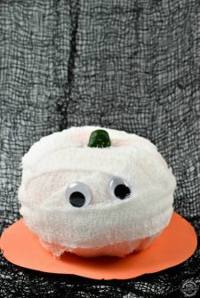 diy-no-carve-mummy-pumpkins-featured