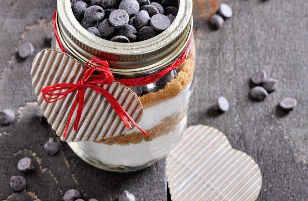 20 Yummy Cookies In A Jar