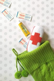 Make a DIY First Aid Kit