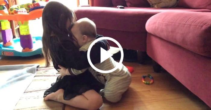 sister-and-baby-hug