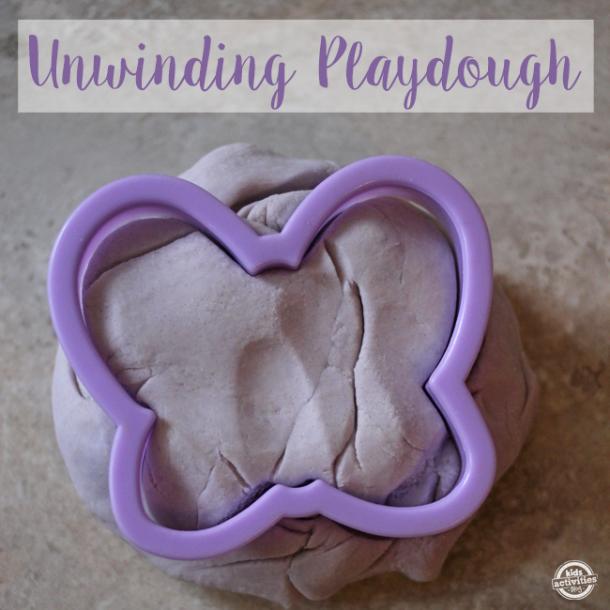 homemade food coloring to prepare this unwinding playdough