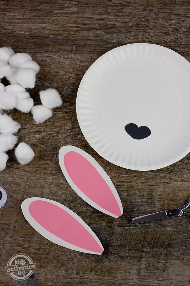 "Using Paper Plate Lambs & Paper Plate Lions, kids will enjoy acting out spring weather. ""March comes in like a lion and goes out like a lamb!"""