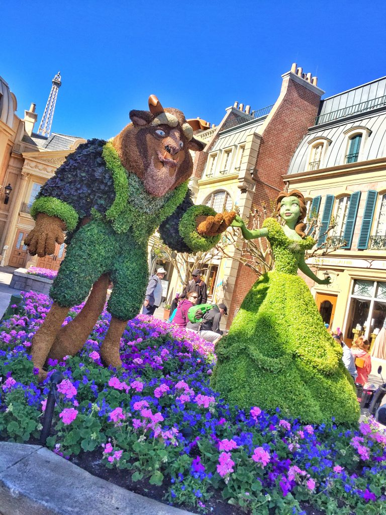 10 Disney Character Living Sculpture Topiaries