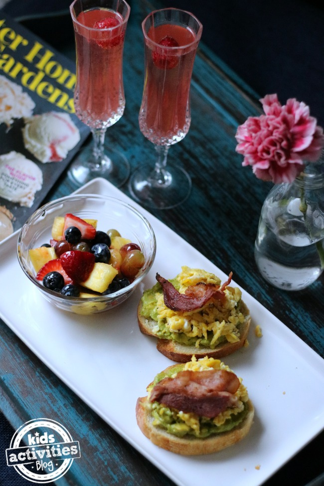 5 breakfast in bed recipes for mother 39 s day for Breakfast ideas for mom