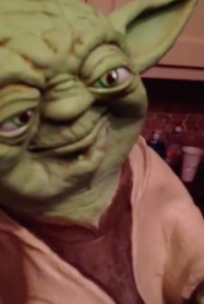 Dad Uses Yoda Puppet To Tell 'Dad Jokes'