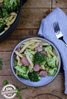 One-Pan Sausage Broccoli Pasta
