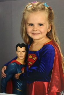 Dad Lets His Little Girl Pick Her Own Outfit For Picture Day, Now Her Photo's Gone Viral!