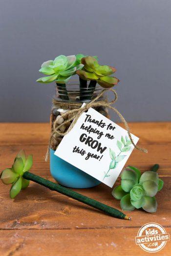 DIY Teacher Appreciation Gift - Succulent Pens - thanks