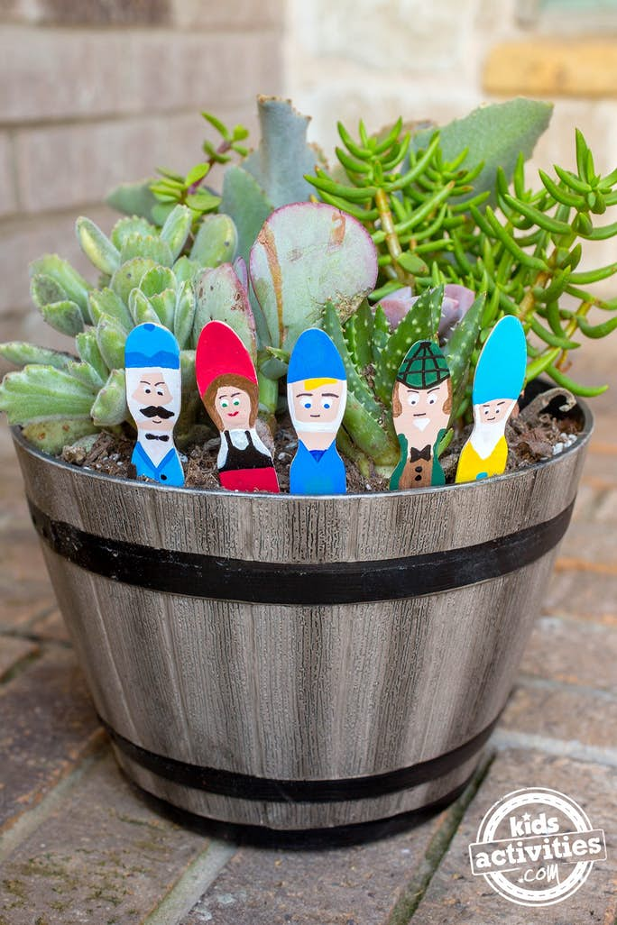 Garden Gnomes in Plant