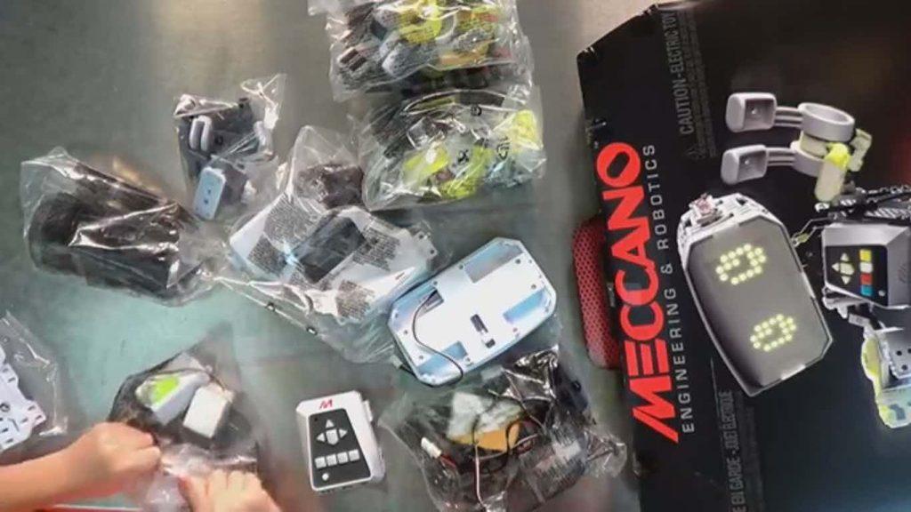 Meccano MAX Robot parts from box