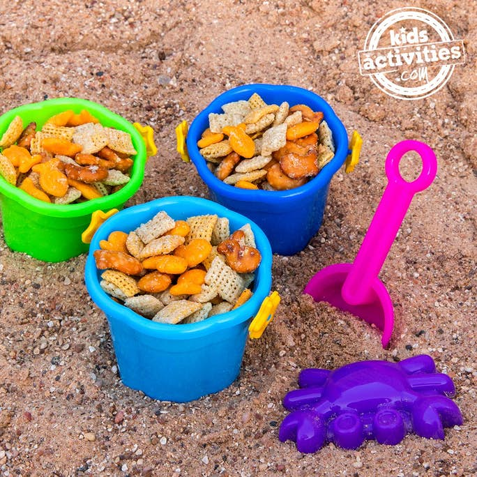 Sandy Beach Snack Mix