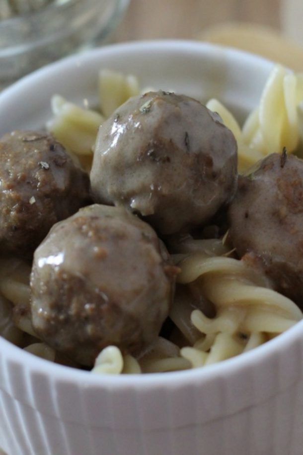Slow Cooker Swedish Meatballs Close