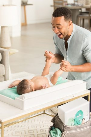 adam-levine-john-legend-pampers-commercial-02