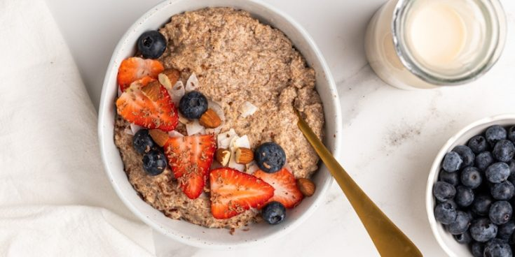 "Easy Low-Carb ""Oatmeal"" (Ready in 15 Minutes)"